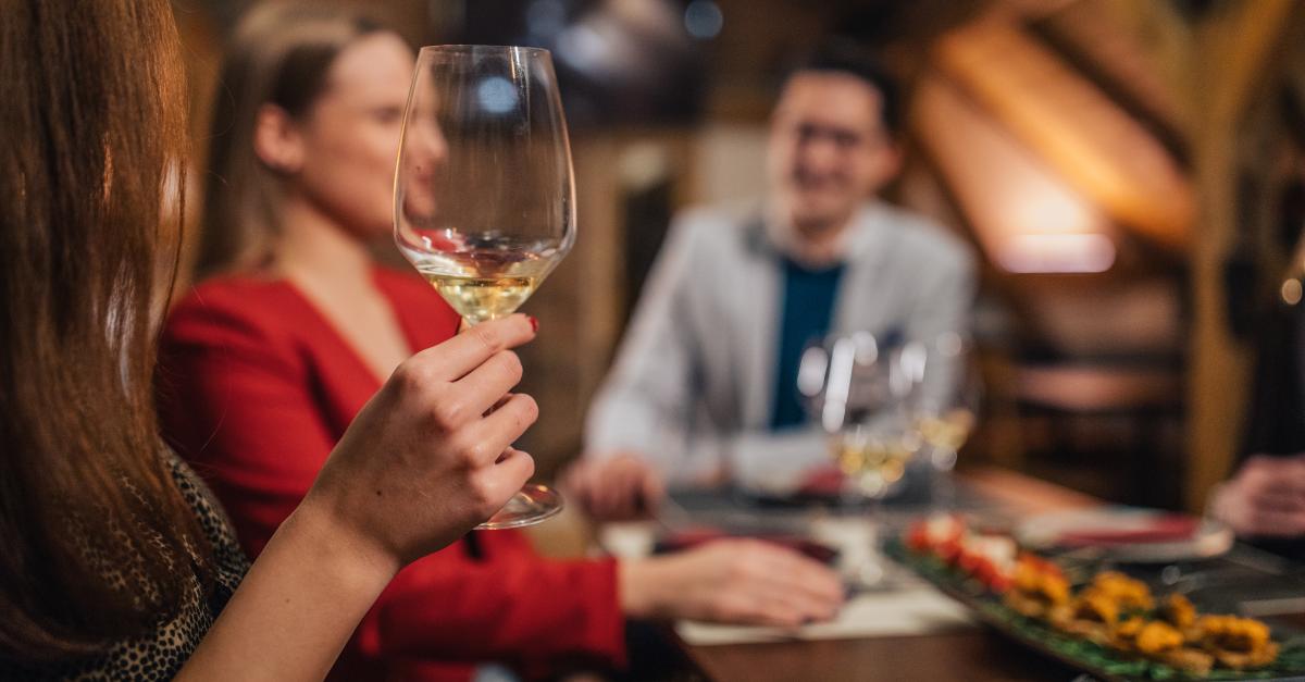 Salat, Steak, Bowl: Welcher Wein passt zu welchem Gericht?